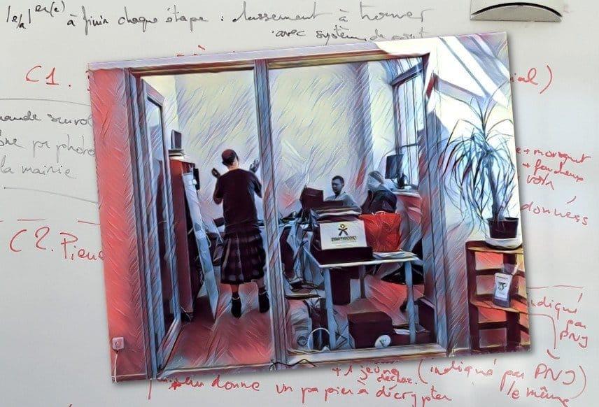Photo séance de travail le 19 avril dans nos locaux de la Grande Usine Créative